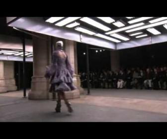 014 336x280 - Alexander McQueen Φθινόπωρο Χειμώνας 2011 Full Show