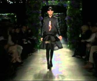 027 336x280 - Givenchy Womenswear Fall WInter 2011 2012 Full Fashion Show