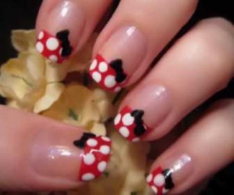01 336x280 - Manicure νύχια με σχέδιο τη Minnie Mouse Nail Art