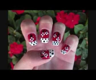 07 336x280 - Σχέδιο στα νύχια με κόκκινα λουλούδια - Red, White, and Black Flowers Nail Design