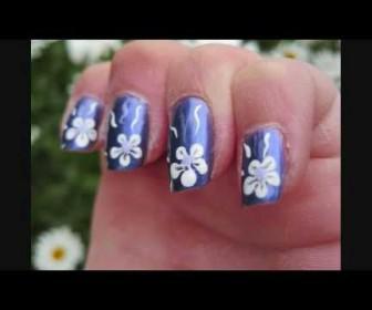 Νύχια μοβ χρώμα με σχέδιο λουλουδάκι Elegant Purple Flower Nail art Tutorial
