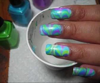 023 336x280 - Neon σχέδια στα νύχια με την τεχνική Water Marble