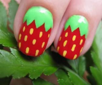 025 336x280 - Νύχια με σχέδιο φράουλες! Nail Art