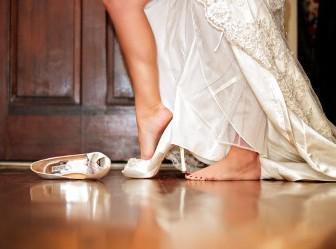 nufika papoytsia taseis 14 336x249 - Τάσεις στα νυφικά παπούτσια 2012
