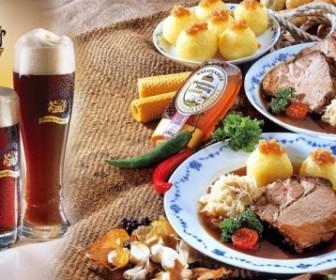 fagito 11 336x280 - 16€ για ένα menu 2 ατόμων με σαλάτα, χοίρινο κότσι συνοδευμένο με ψητές πατάτες & 2 βαρελίσιες μπύρες 330ml στην κλασσική Βαυαρέζικη μπυραρία Alpen-stube, στη Γλυφάδα!