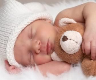 ypnos 3 336x280 - Βάλτε το μωράκι σας για ύπνο!