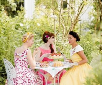 tea party2 336x280 - Πως θα οργανώσεις tea Party με φίλες σε πέντε απλά βήματα