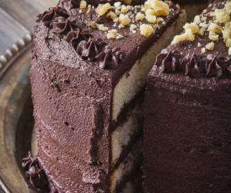 chocolate cake with banana 2 336x280 - Φτιάξε σοκολατένιο κέικ με μπανάνα