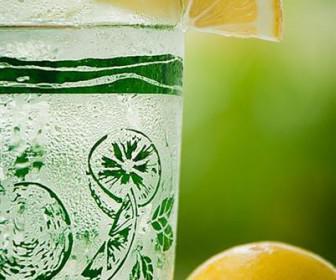 xymos lemoniou 2 336x280 - 10 λόγοι για να πίνετε χυμό λεμονιού κάθε πρωί