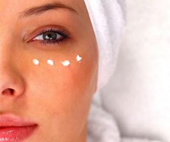 tips omorfias 336x280 - 8 tips ομορφιάς που πρέπει να εφαρμόζετε κάθε βράδυ