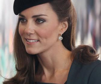 pos tha ntithis san tin kate middleton2 336x280 - Πως θα ντυθείς σαν την Kate Middleton