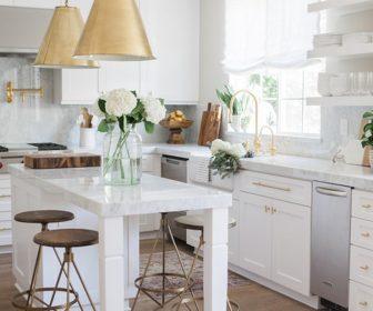 1 iperoches kouzines se lefko chroma 1 336x280 - 11 υπέροχες κουζίνες σε λευκό χρώμα