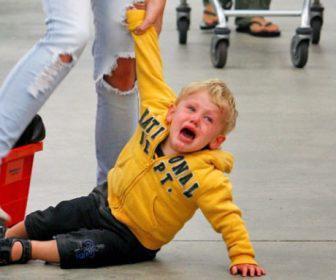 krisis thimou tantrums sta pedia pos na tis antimetopisete 2 336x280 - Κρίσεις θυμού (tantrums) στα παιδιά: Πώς να τις αντιμετωπίσετε