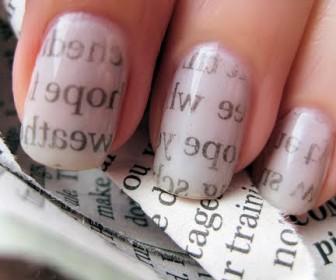 09 336x280 - Manicure Newspaper Nail Art σχέδιο σαν εφημερίδα