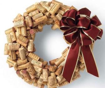 felos 7 336x280 - Φτιάξτο μόνος σου: χριστουγεννιάτικα στολίδια από φελλό