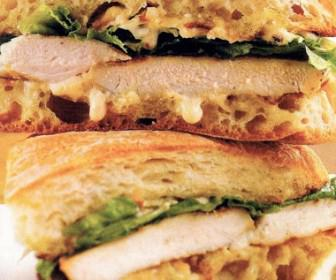 Sandwich kotopoulo 336x280 - Γιατί κάθε ώρα είναι ώρα για ένα σάντουιτς!