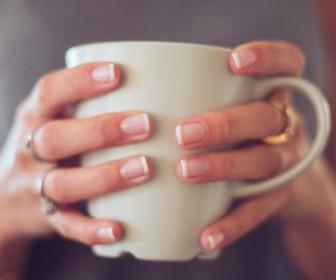 omorfa nixia 2 336x280 - Διατηρήστε τα νύχια σας υγιή μέσω της διατροφής