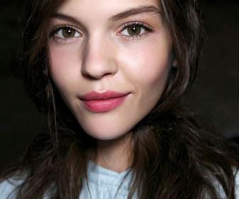 omorfa xeilia 5 336x280 - Πως να φροντίστε τα χείλη σας το χειμώνα