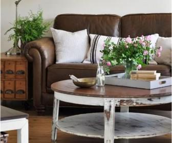 kafe dermatinos kanapes 3 336x280 - Διακοσμήστε έναν δερμάτινο καφέ καναπέ
