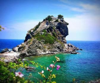 5 top ellinika nisia gia tis fetines diakopes2 336x280 - 5 Top ελληνικά νησιά για τις φετινές διακοπές